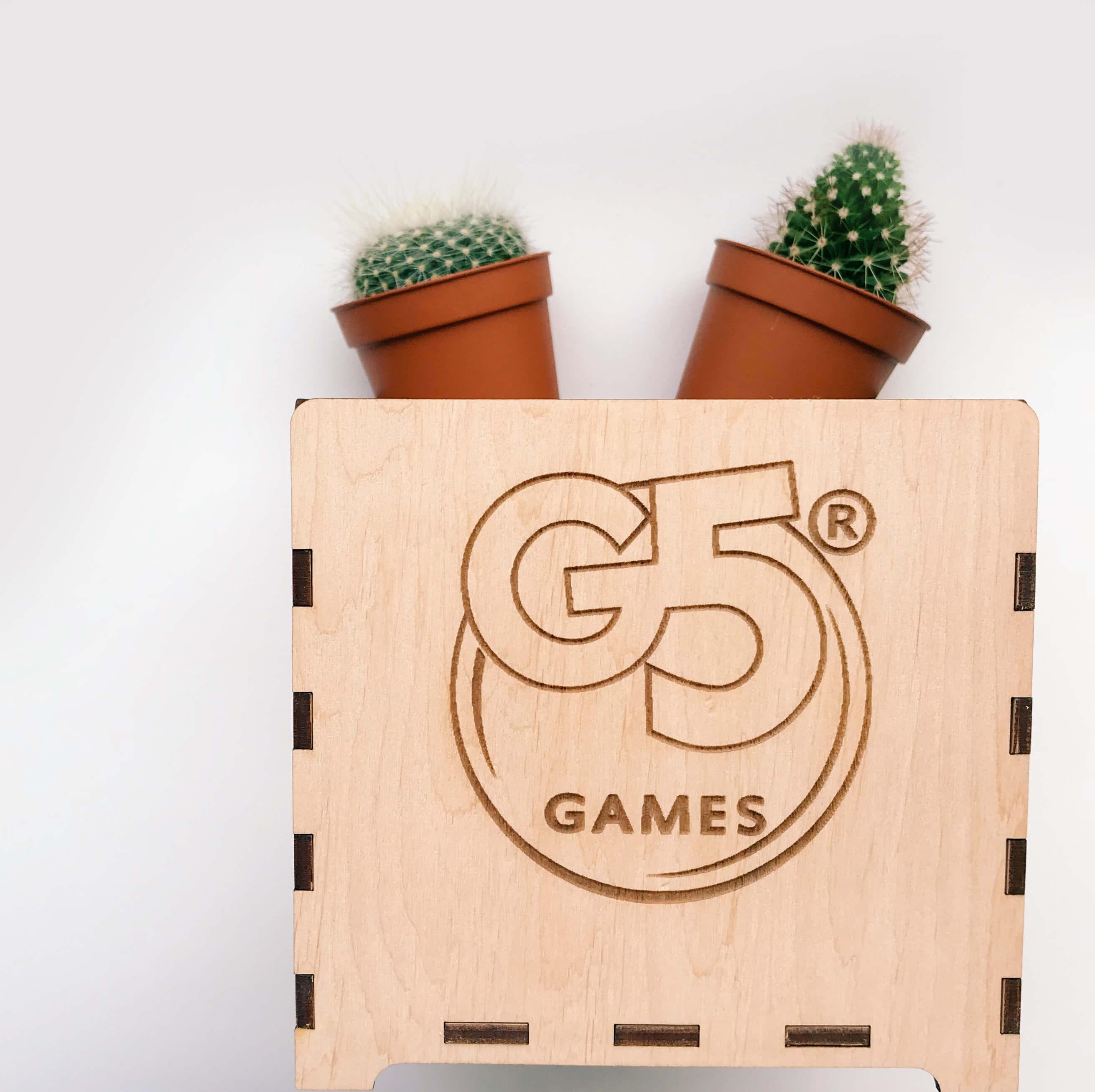 Дерев'яна коробочка для компанії «G5 GAMES»