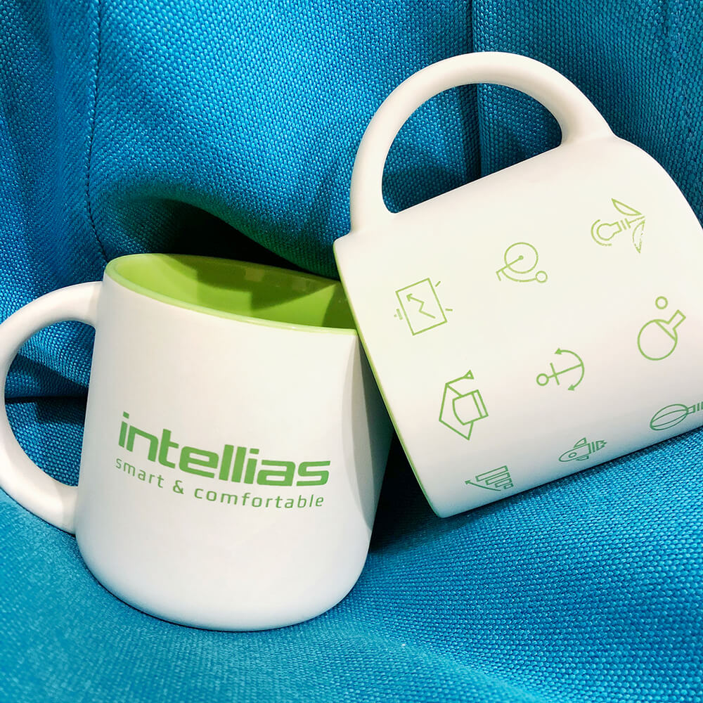 """Корпоративні чашки для компанії """"intellias"""""""