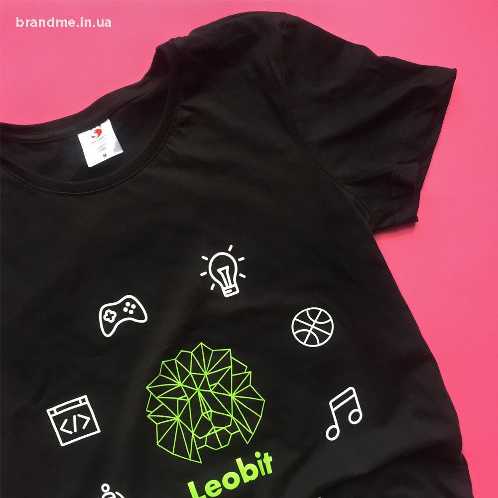 Корпоративна футболка для компанії «Leobit»