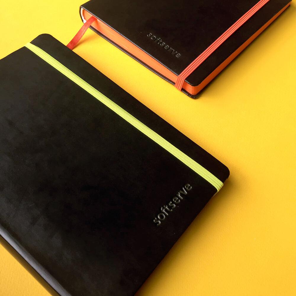 Розробка дизайну і друк ділових щоденників для «soft serve»