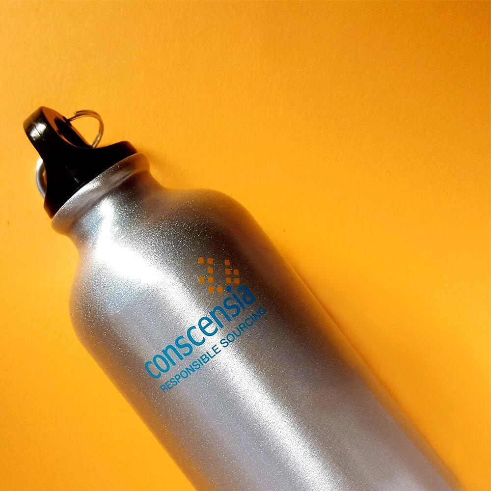 Металеві пляшки для компанії «Conscensia»