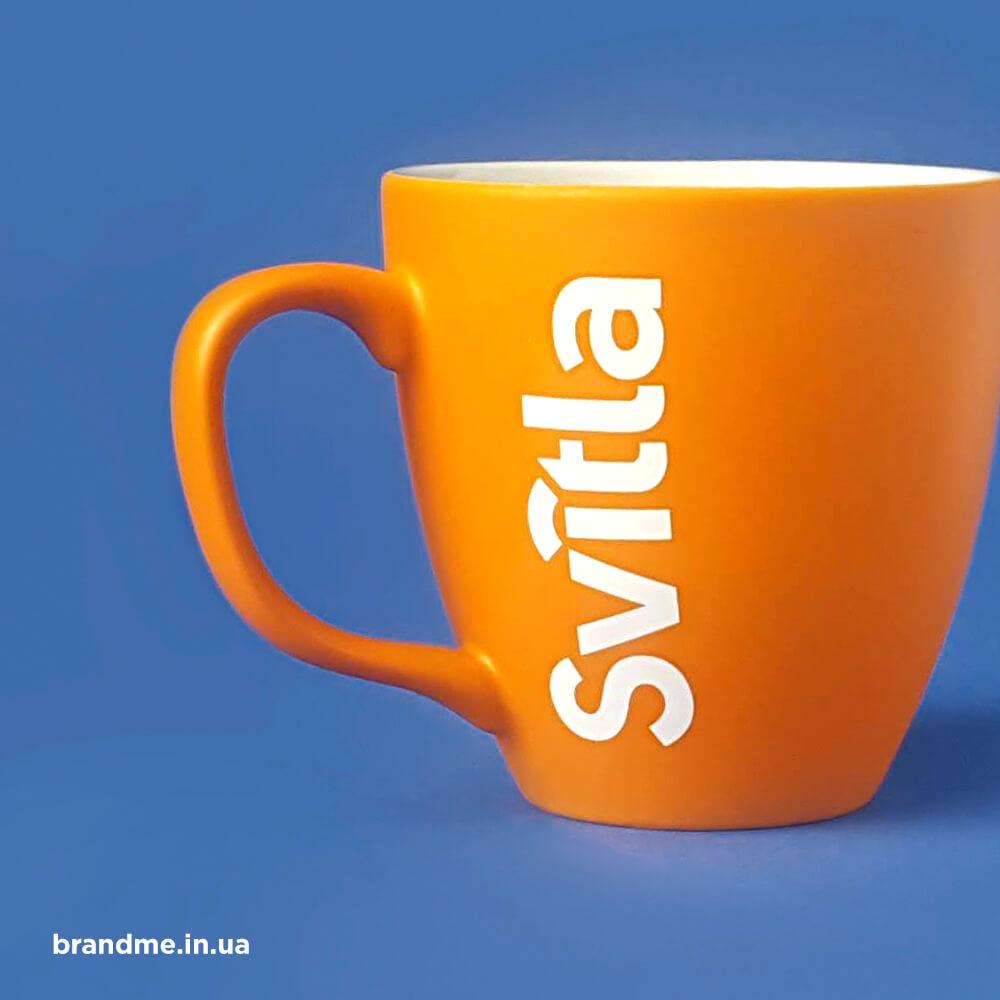 """Яскраві матові чашки для компанії """"Svitla"""""""
