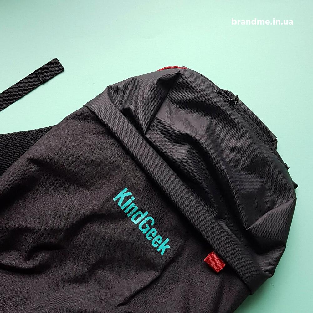 Зручні чорні рюкзаки