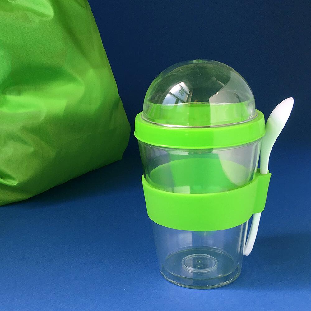 Дитячий контейнер для їжі з логотипом.