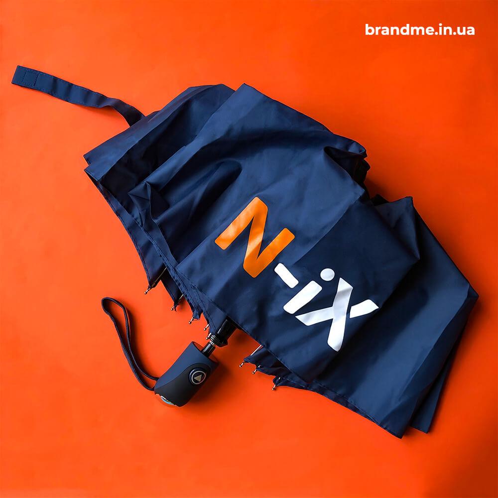 Парасолі з логотипом для ІТ-компанії N-iX
