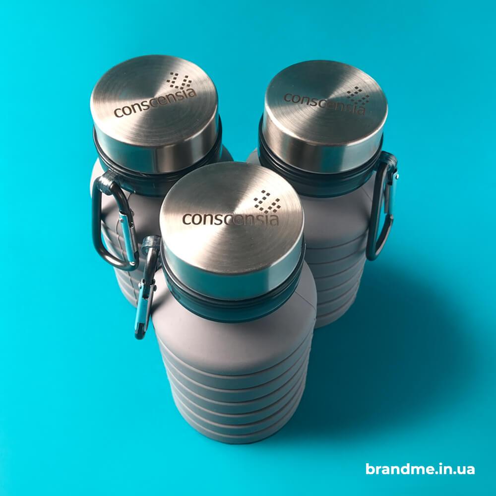 Силиконовая бутылка для воды с гравировкой на крышке для Conscensia