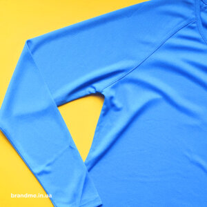 Спортивні футболки з довгим рукавом