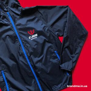 Куртка с логотипом для