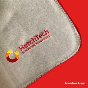 Плед з вишивкою логотипу для компанії