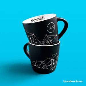 Матовые чашки с индивидуальным дизайном для компании