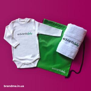 Боді для немовлят, рушник та сумка-рюкзак з логотипом для компанії