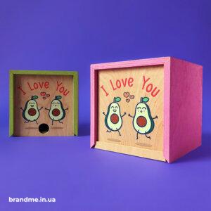 Яркие деревянные коробочки для сувениров