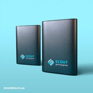 Ультрафиолетовая печать логотипа на павербанках для IT-компании Scout Gaming Group