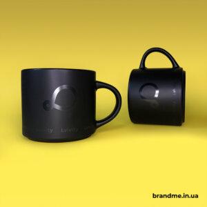 Cтильні матові керамічні чашки з нанесенням чорного кольору для ІТ-компанії Lvivity